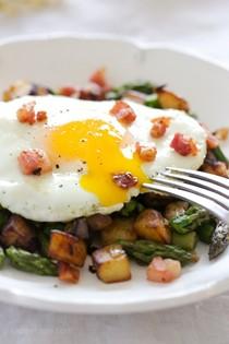 Asparagus-pancetta potato hash