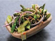 Asparagus salad (Asparagus kerabu)