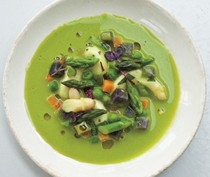 Asparagus soup with goat cheese dumplings