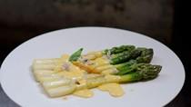 Asparagus with mousseline sauce (Asperges sauce mousseline)