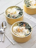 Baked eggs with spinach and prosciutto