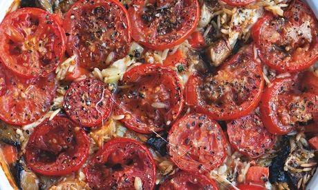 Baked orzo with mozzarella and oregano