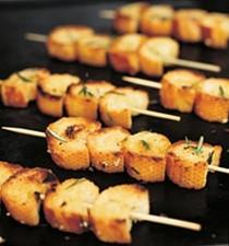 Barbecued garlic bread