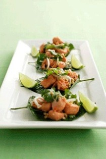 Betel leaves topped with spicy fish