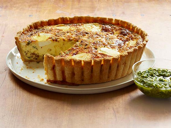 Bobby flay 39 s chorizo and goat cheese quiche recipe eat for Brunch with bobby recipes