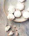 Cardamom and cashew cookies