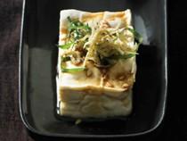 Chilled tofu with crunchy baby sardines (Jako hiya yakko)