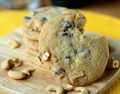 Chocolate chip & cashew cookies