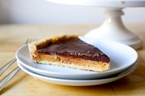 Chocolate peanut butter tart, Tagalongs-style