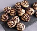 Cinnamon-chocolate-cayenne macaroons