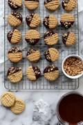 Crisp peanut butter cookies