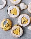 Double-decker passion fruit cookies