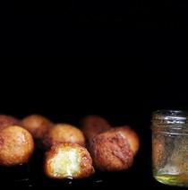Eggnog fritters with nutmeg honey
