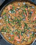 Fideos with shrimp, ham and clams