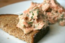 Fresh and smoked salmon rillette with wholemeal toast