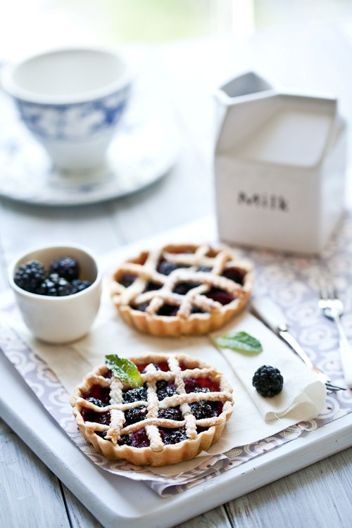 Fresh berries tartelettes