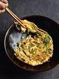 Fresh oyster omelette (Dan jian sheng hao)