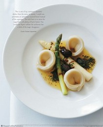 Goat's cheese cappelletti with asparagus and thyme butter