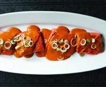 Grilled salmon in toasty peanut salsa (Salmón a la parilla con salsa de cacahuate tostada)
