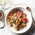 Grilled sirloin and pepper pasta salad