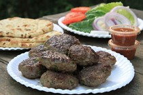 Hamburger kebabs with fresh red chutney with almonds