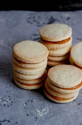 How to make alfajores at home
