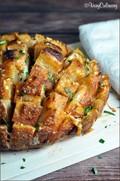 Italian provolone pull-apart bread