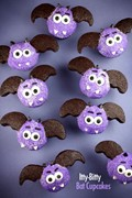 Itty-bitty bat cupcakes