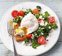 Kale, tomato & poached egg on toast