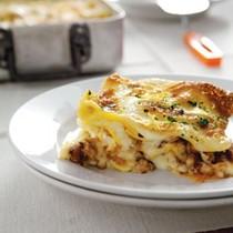 Lasagne with saffron pasta and ossobuco ragù (Lasagne allo zafferano, con ragù di ossobuco)