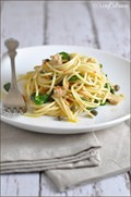 Lemony pasta with tuna, spinach, and capers