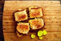 Mac 'n' cheese grilled cheese