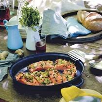 Marinated salmon with pear and cucumber salad (Filetti di salmone marinati e insalata di pere e cetrioli)