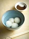 Mr Lai's glutinous rice balls with black sesame stuffing (Lai tang yuan)