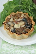 Nigella's olive & onion tartlets