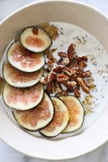 Overnight oats with figs and honey