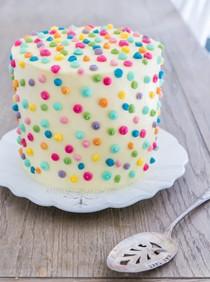 Polka dot icing cake with strawberry & rhubarb