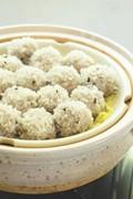 Pork snow balls (Shiro-mushi dango)