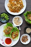 Prawn, mushroom and vegetable wraps (Sang choi bao)