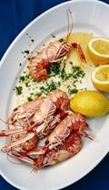 Prawns in garlic, oil and chilli sauce (Gamberoni all'aglio, olio e peperoncino)