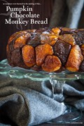 Pumpkin monkey bread with chocolate