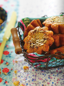 Quinoa and oat bread rolls with poppy and sesame seeds (Petits pains au quinoa et à l'avoine avec graines de pavot et de sésame)