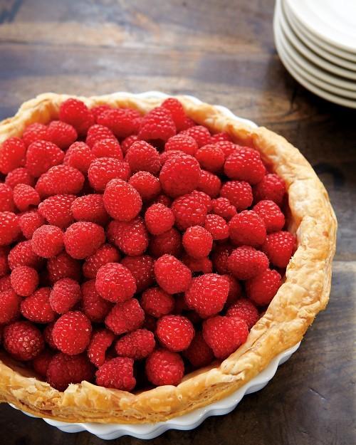Raspberry custard tart (page 163)