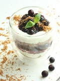 Ricotta & blueberry cheesecake with almond crumble