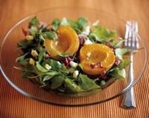 Roasted apricot and arugula salad with gorgonzola