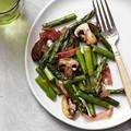 Roasted asparagus, mushrooms & prosciutto