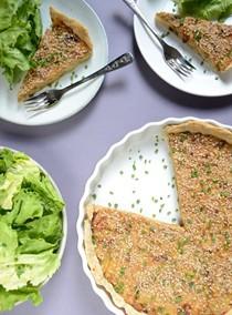 Roasted onion quiche with sesame