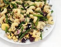 Salade Niçoise inspired tuna pasta salad
