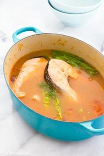 Salmon tamarind miso soup (Sinigang na salmon sa miso)