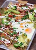 Salsa verde breakfast nachos